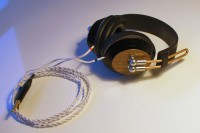 KODA^1 – Koenig's Ortho Dynamic Acrylic Headphone